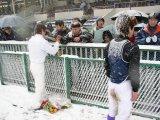 藤岡探検隊風に言えば「ファンのサインを求める波状攻撃は止まることを知らない!ギャガ━━Σ(゚д゚lll)━━ン!!!」だった…