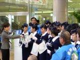 宮崎交通の制服を着た歓迎レディース軍団